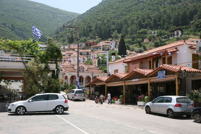Trizina - Tavernas and cafes around the village square