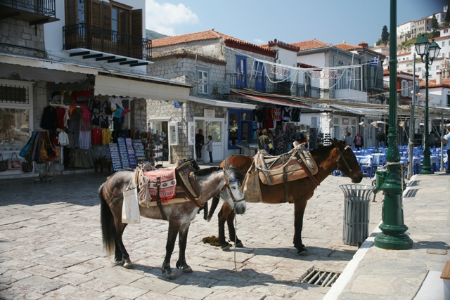 Hydra Island - Souvenir and gift shops line the main waterfront