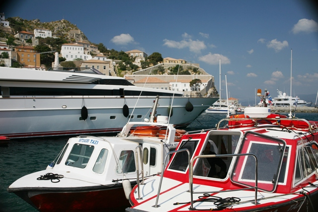 Hydra Island - Small leisure craft mix with the private yachts