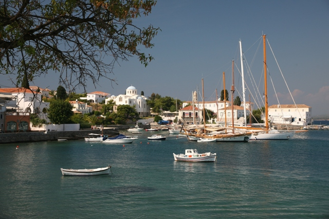 Spetses Island - The picturesque charm of Aghios Nikolaos