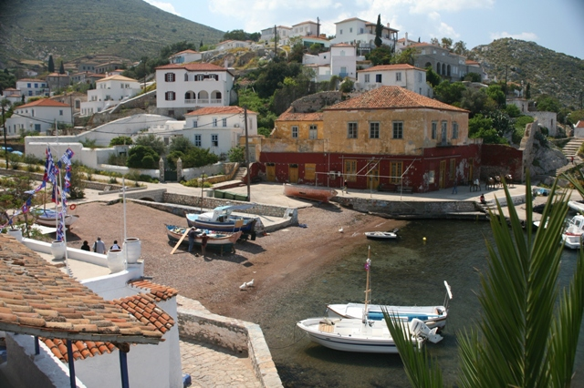 Hydra Island - The small fishing port of Kamini