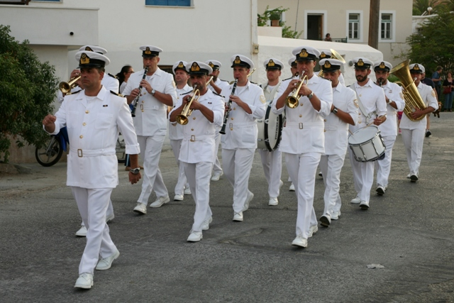 Spetses Armata Festival: Hellenic Navy band matching through Spetses