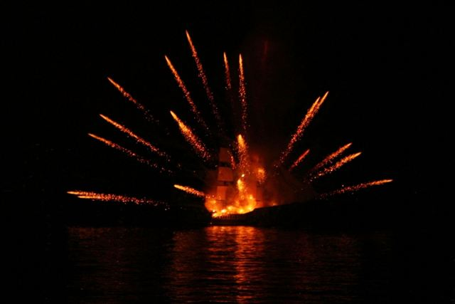 Spetses Armata Festival: Ottoman flagship explodes after fire-attack