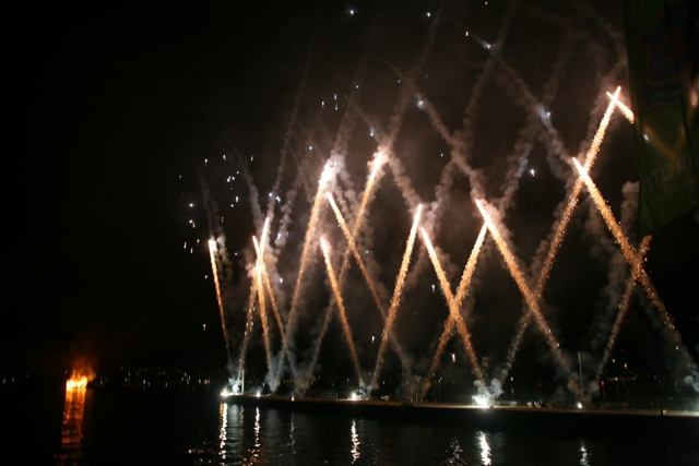 Spetses Armata Festival: The grand firework display begins