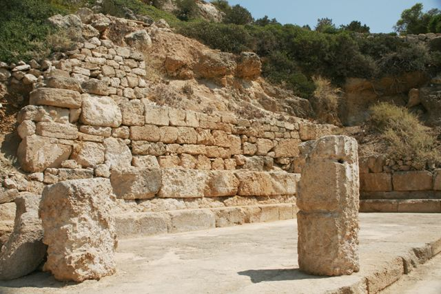 Ancient Heraion - Doric columns were used for the ground floor level