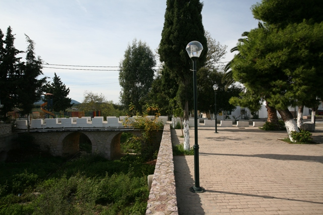The central bridge of Iliokastro