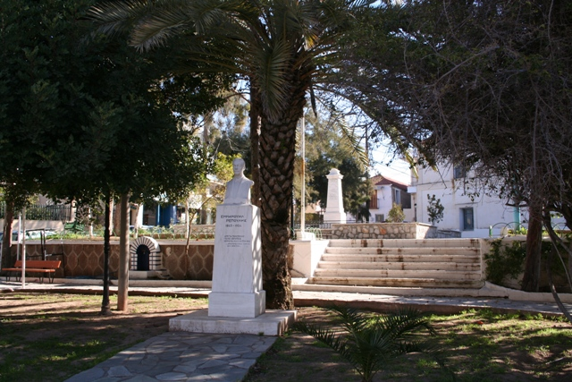 A small park and monuments within Kranidi