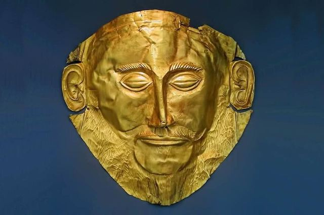 Mycenae Museum - Golden death mask of Agamemnon - Museum replica