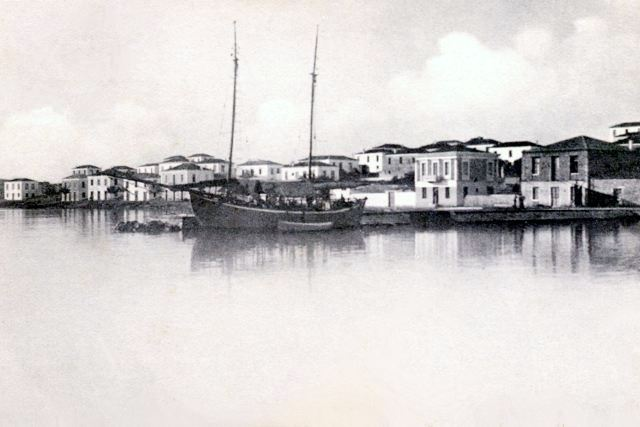LIMANI - Boat moored alongside the original jetty
