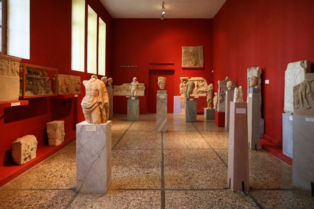 Sparta Archaeological Museum - Museum interior