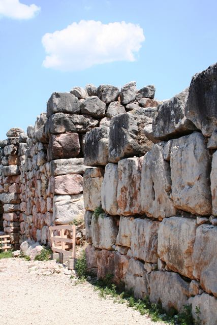 Tiryns - The interior niche by the main Eastern entrance