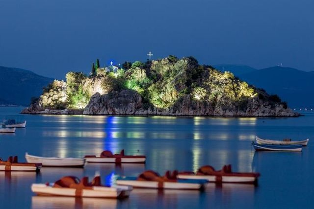 Tolo - The small island of Koronisi by night