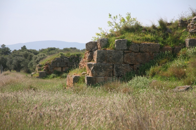 Isthmia Hexamilion bastions - Southern section