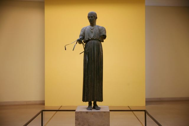 Delphi archaeological museum - The famous Charioteer statue