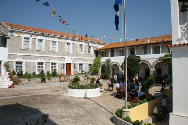 Mon. of Anargyroi - The interior courtyard