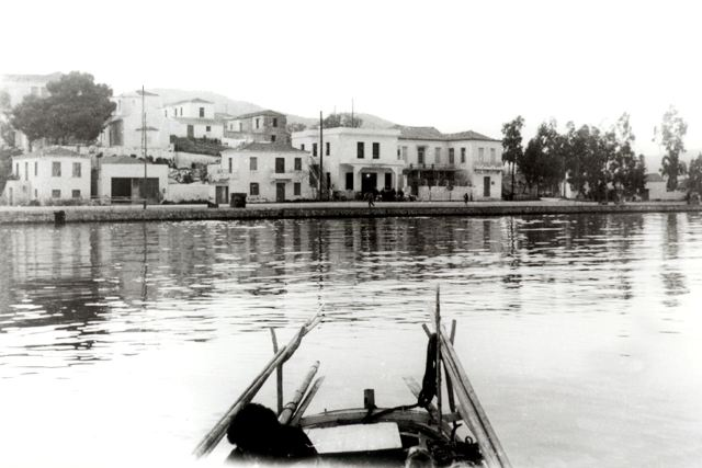 LIMANI - Before the inner harbour was constructed