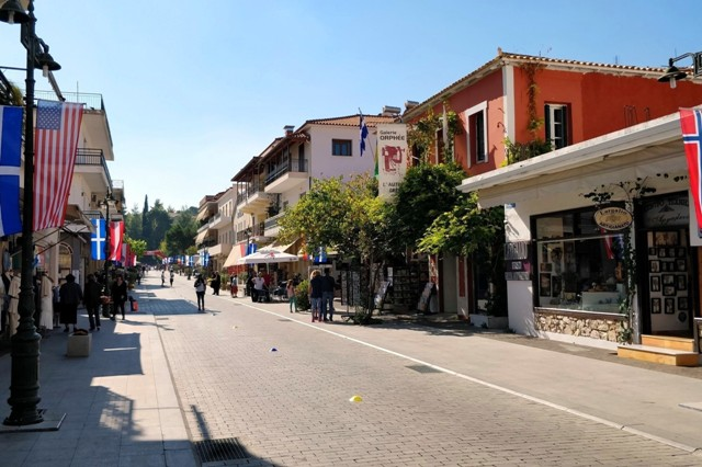 Olympia - The main high street of Olympia