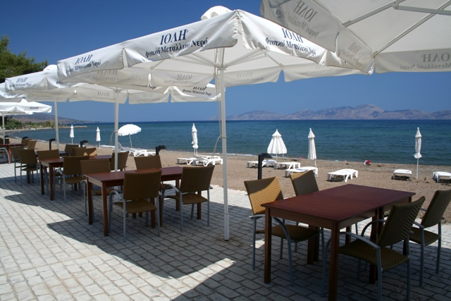 Thermisia - 'Makis Inn' overlooking the Island of Hydra