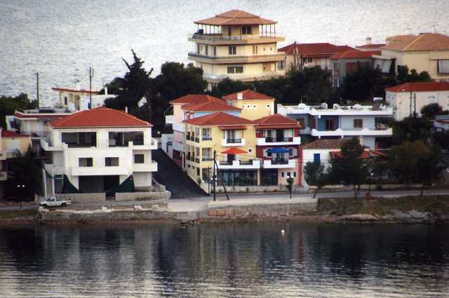 Vasilis' Apartments - Located central to Limania waterfront