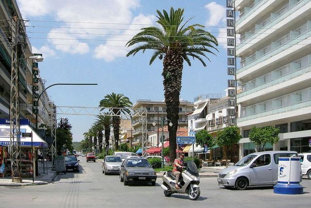 Sparta - Typical city streets lined with palm trees