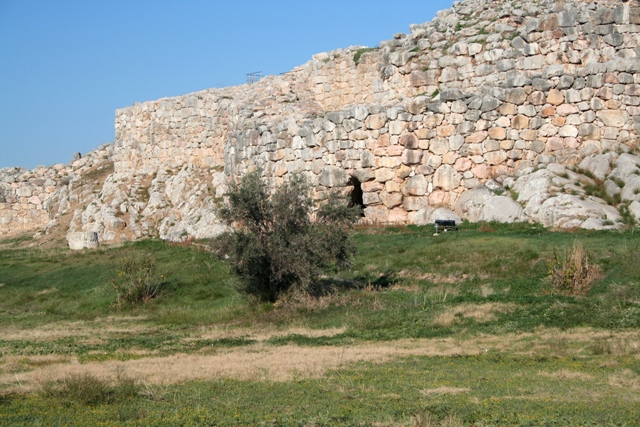 The Western defences of the lower acropolis